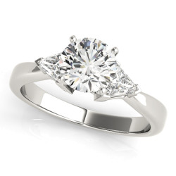 ENGAGEMENT RINGS 3 STONE TRILLION